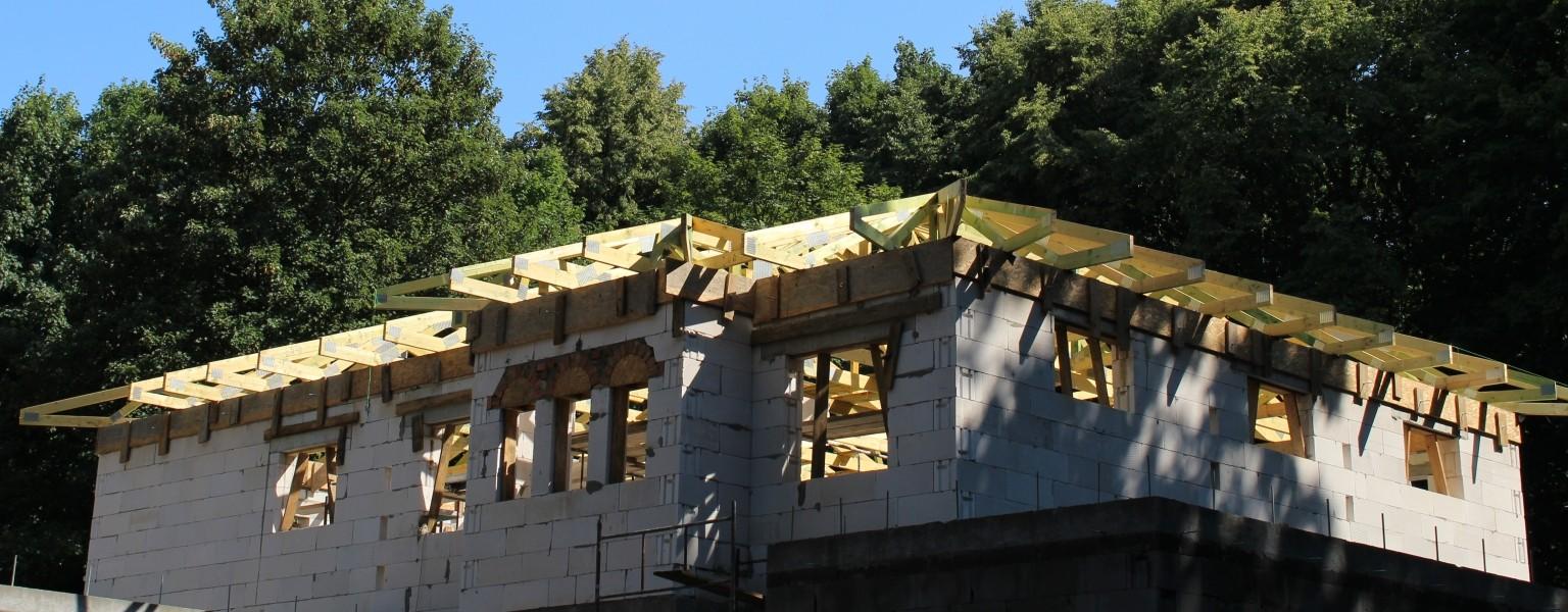 Konstrukcja dachu budynku w m. Łódź