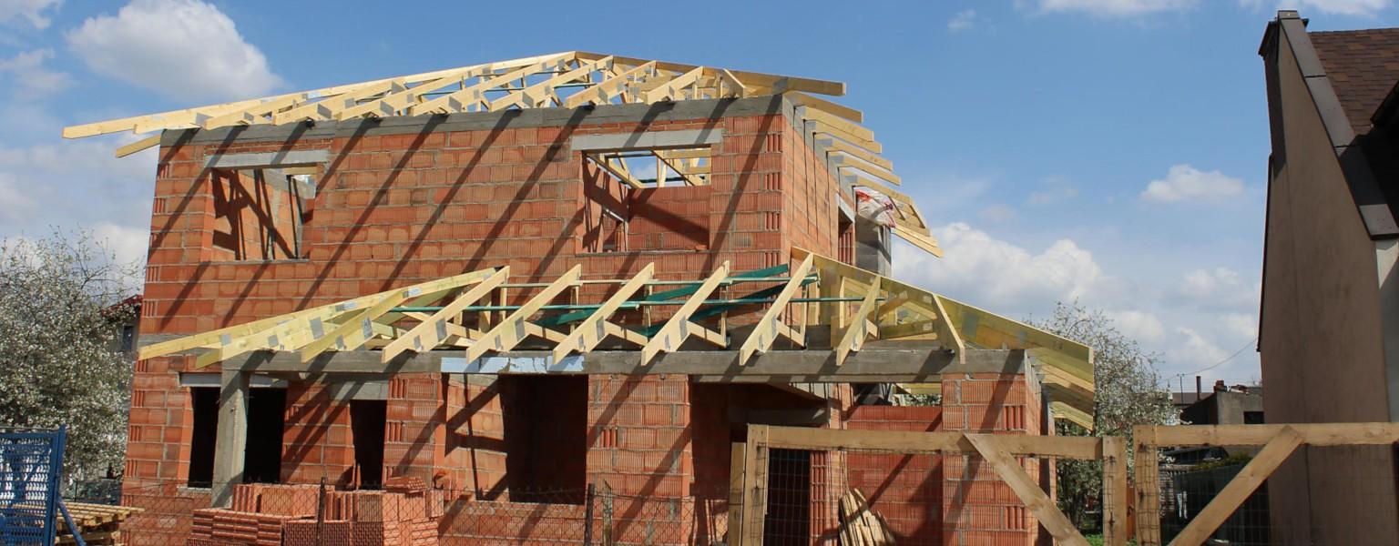 Budowa dachu budynku domu jednorodzinnego w m. Łódź