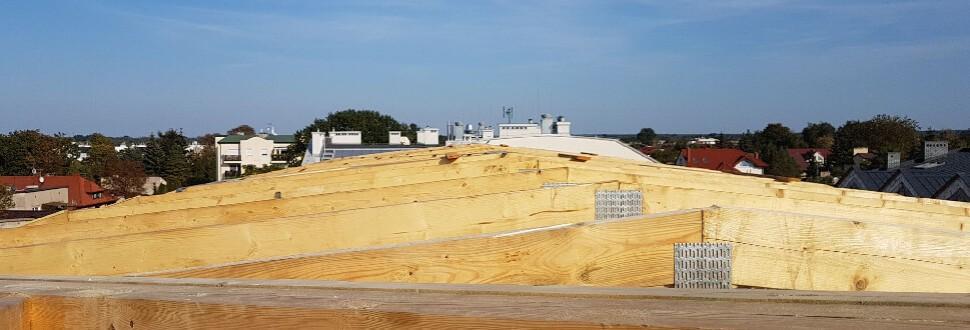 Realizacja dachu budynku usługowego w miejsc. Piaseczno