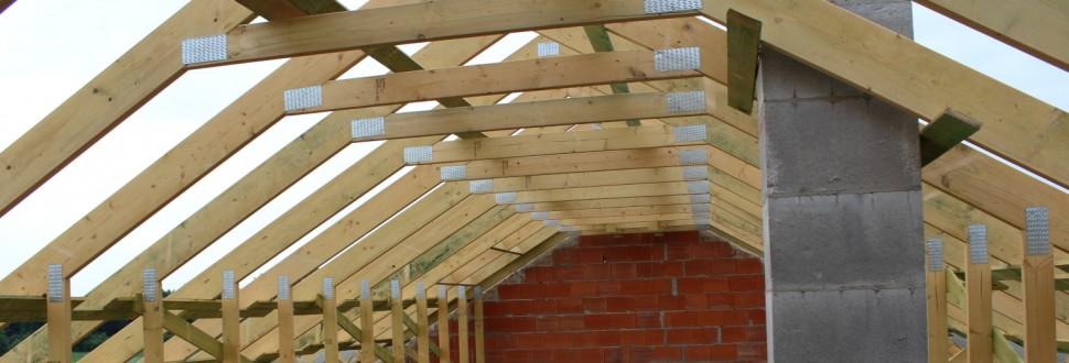 Konstrukcja dachu domu jednorodzinnego w miejsc. Babice
