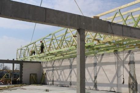 Dach w technologii płytek kolczastych
